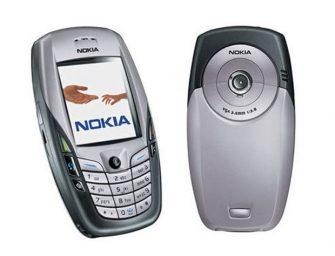 Los teléfonos con cámaras fomentan la venta de cámaras digitales