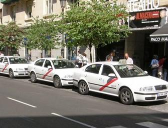 """El taxi responde a la CNMV: """"Competencia sí pero en igualdad de condiciones"""""""