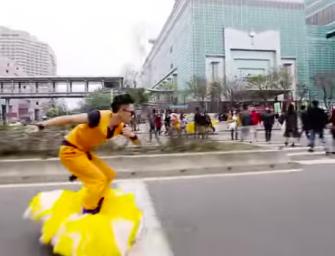 Un youtuber taiwanés convierte un hoverboard en la nube voladora de Goku
