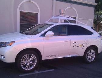 Un coche autotripulado de Google provoca su primer accidente
