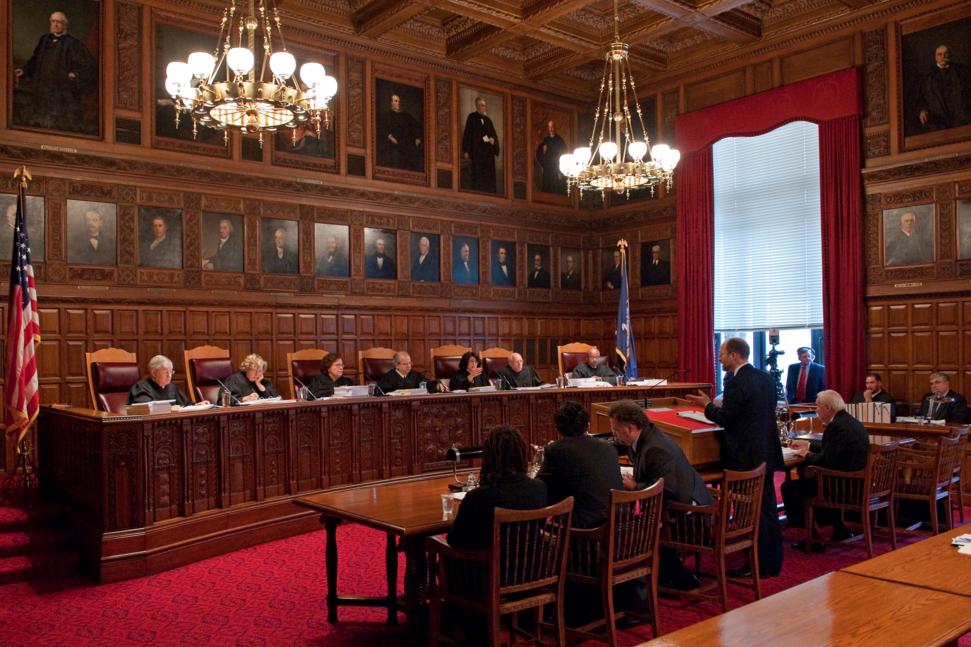 Un juez de Nueva York apoya a Apple en el Caso del iPhone