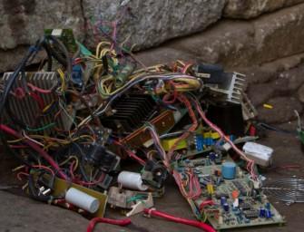 Bacterias 'come metales' para reciclar residuos electrónicos