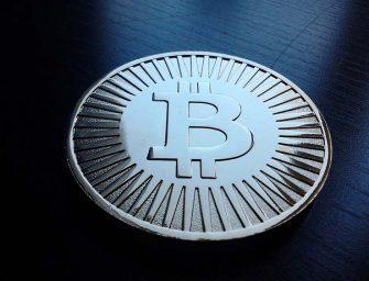 El creador de Bitcoin sale de las sombras