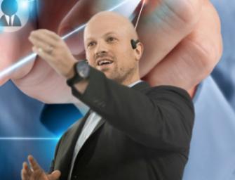 """""""En transformación digital, los primeros que tienen que cambiar son los altos cargos"""""""