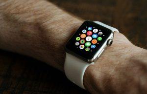 Apple trabaja para que el Apple Watch Series 3 llegue el próximo otoño