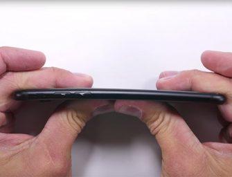 Sorprendente test de resistencia: ¿se dobla el iPhone 7?