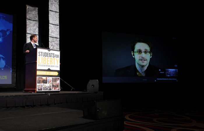 Snowden recomienda no usar Google Allo