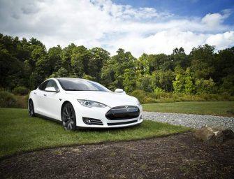 Investigadores chinos hackean el Tesla Model S a distancia a través de WiFi