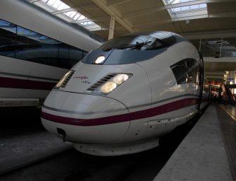 Renfe estrena al fin su red wifi a bordo de los trenes AVE