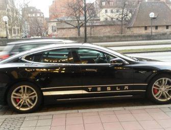 Cómo robar un coche Tesla con la app oficial y un malware