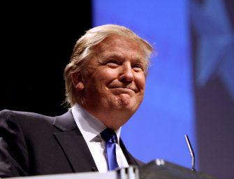 Trump promete incentivos fiscales a Apple para conseguir su vuelta a EE.UU.