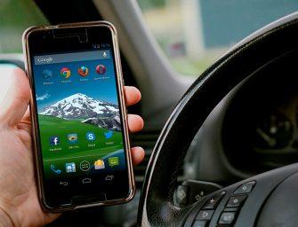 El Reino Unido quiere bloquear la señal del móvil en el coche