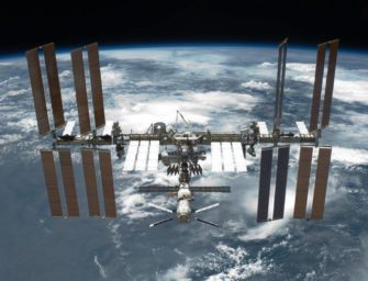 Científicos rusos encuentran bacterias desconocidas en el exterior de la Estación Espacial Internacional